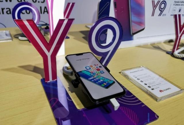 Huawei Y9_1